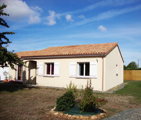Sur l vation de maisons traditionnelles delrieu for Agrandissement maison 59