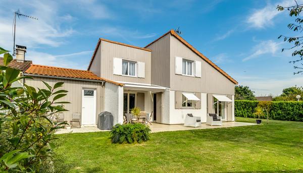 Extension de maison des ann es 80 delrieu construction bois for Agrandissement maison 59